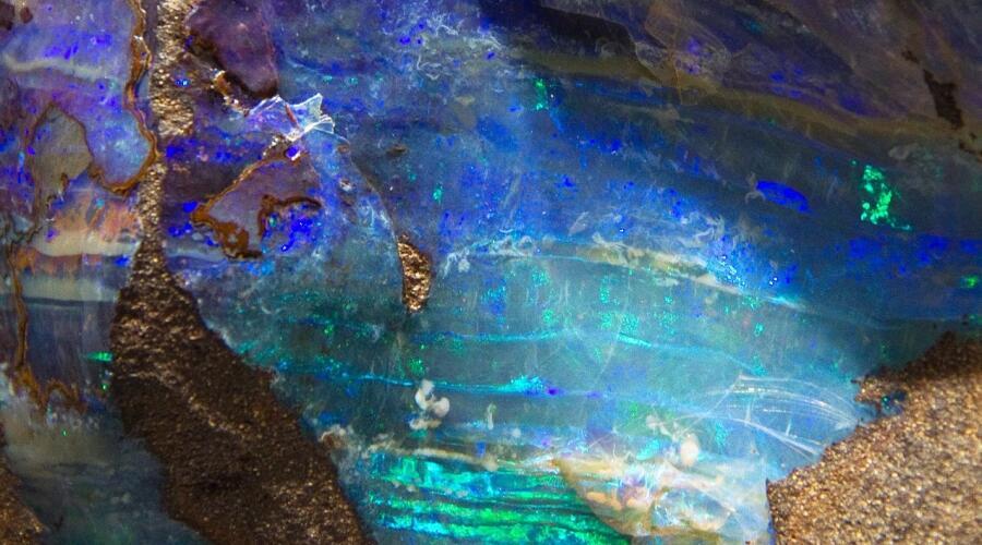Как  опал попал в опалу? Часть 1. Легенды и мифы вокруг самоцвета