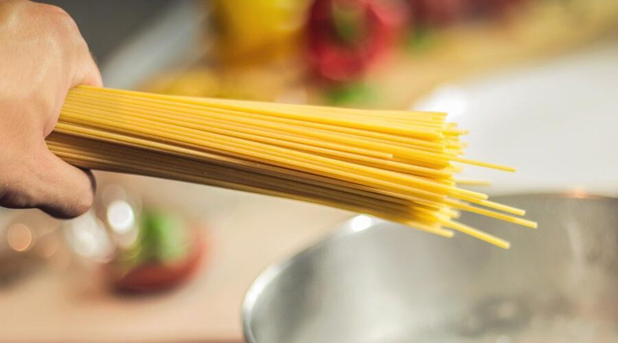 Сколько видов блюд со спагетти существует в Италии?