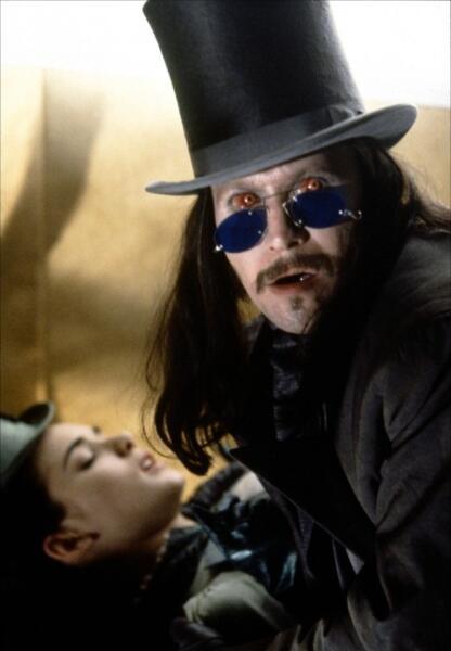 Кадр из к/ф «Дракула», 1992 г.