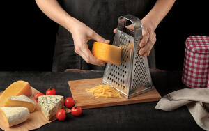 Как использовать кухонную терку?