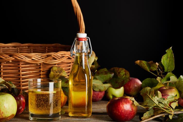 Как приготовить яблочное шампанское?