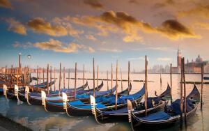 Венецианская гондола — романтична или практична?