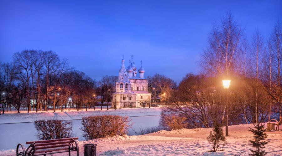 Вид на церковь Иоанна Златоуста. Вологда