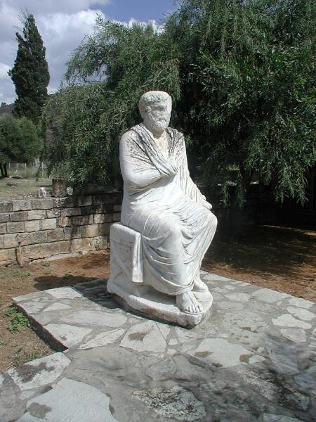 Философ и музыкант Фалет. Античная статуя из Музея Гортины (Крит)