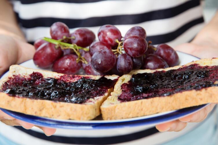 Какие вкусные и полезные лакомства можно приготовить из винограда?
