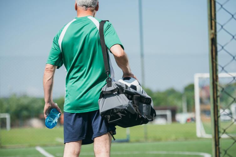 Обычная сумка заменит штангу или гирю