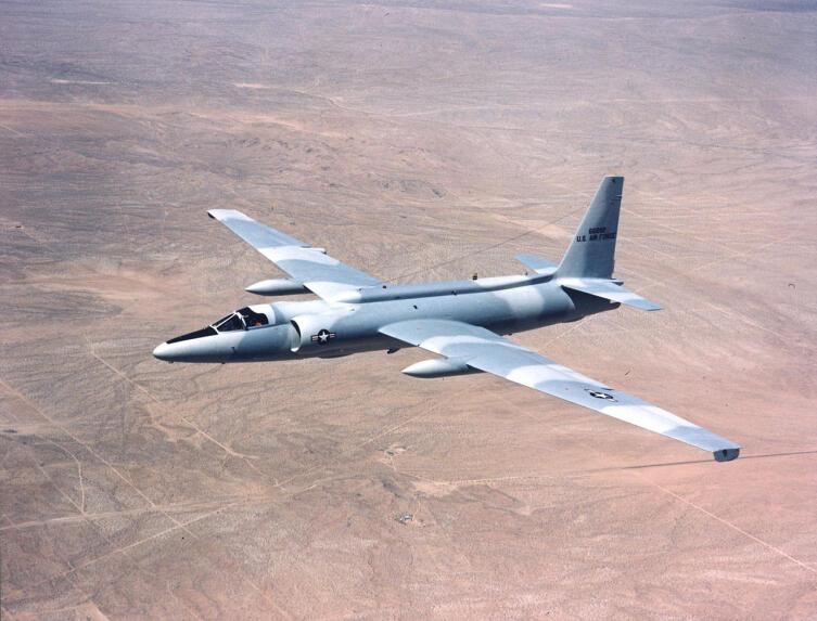 Lockheed U-2C в серой камуфляжной окраске «Sabre», 1975 г
