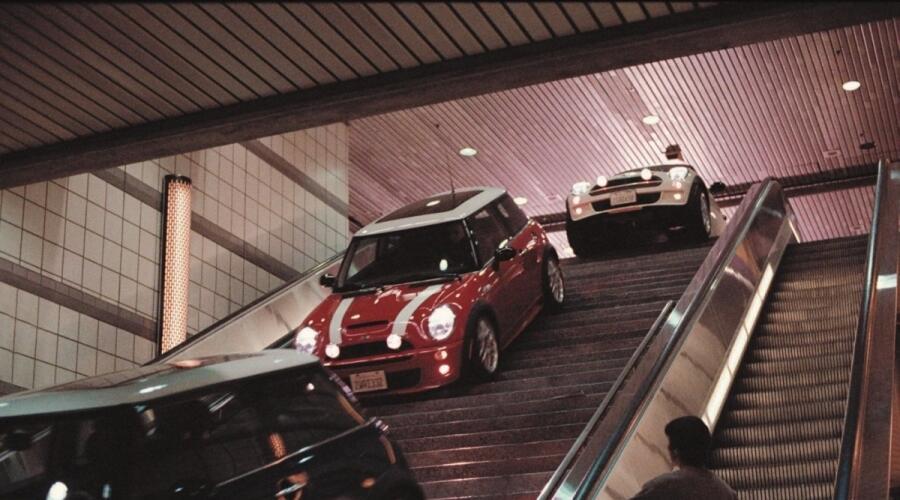Кадр из к/ф «Ограбление по-итальянски», 2003 г.
