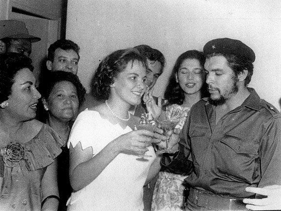 Че Гевара и его жена, революционерка Алейда Марч