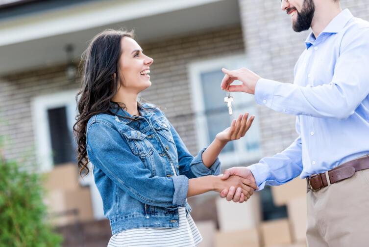 В чем разница между агентом по недвижимости и риелтором?
