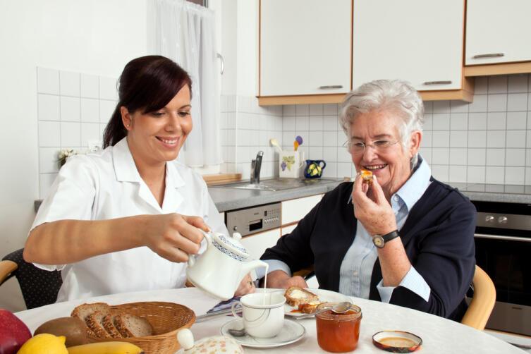 Как общаться с престарелыми родственниками?