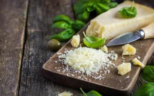 Как приготовить салат с сыром?