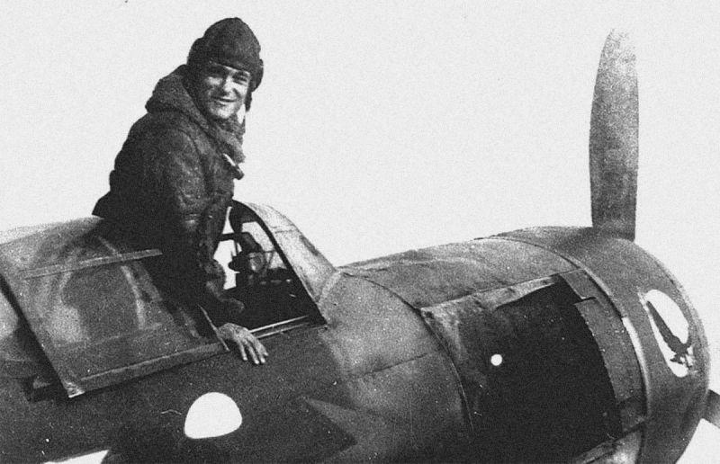 Советские летчики: как жил и сражался Амет-Хан Султан?