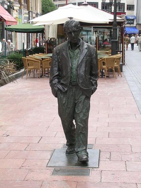 Статуя Вуди Аллена в городе Овьедо
