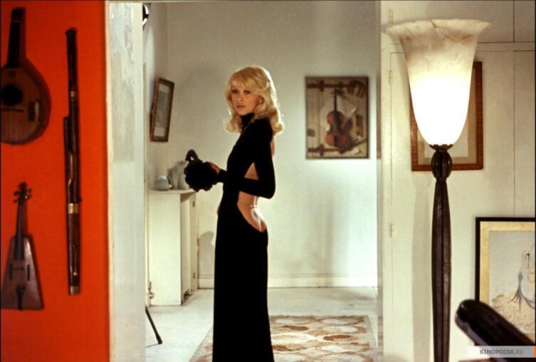 Кадр из к/ф «Высокий блондин в черном ботинке», 1972г.