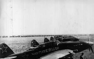 Кто из советских летчиков-штурмовиков уничтожил больше немецких самолетов?