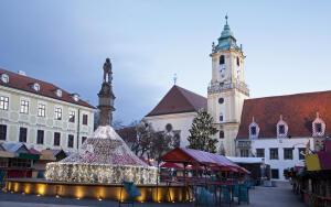 Что попробовать и посмотреть на рождественском базаре в Братиславе?