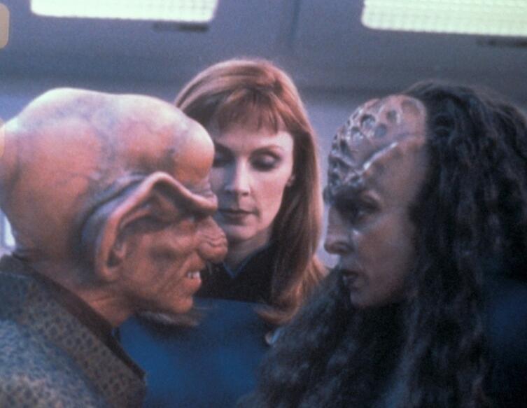 Кадр из т/с «Звездный путь: Следующее поколение», 1987−1994 гг.