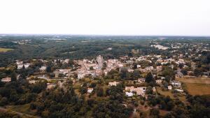 Луи де Фюнес. Как французский городок Ле-Селье связан с великим актером?