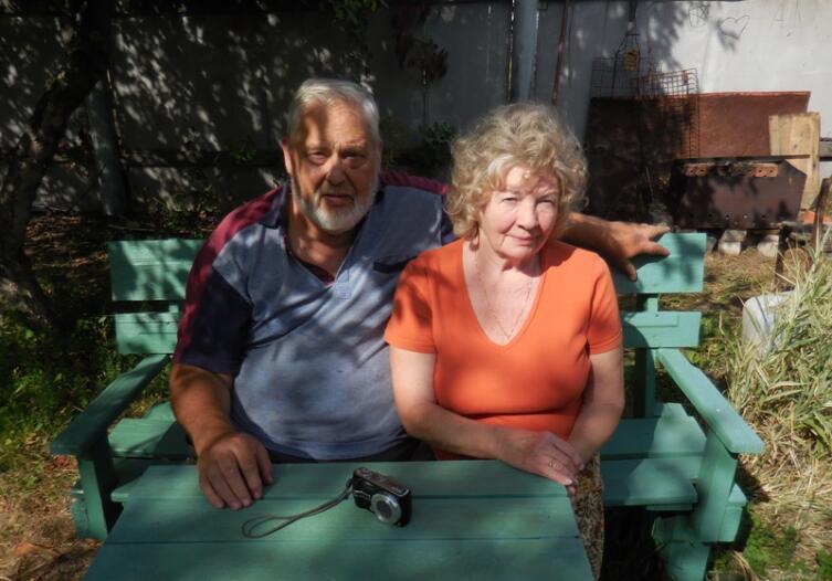 Автор с супругой Ларисой на даче 2019г.