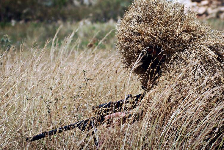 Замаскировавшийся снайпер