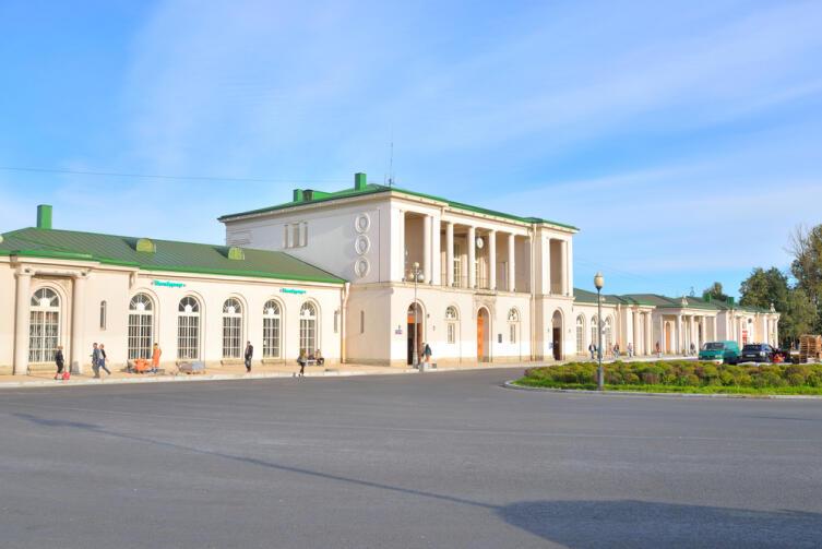 Железнодорожный вокзал в Царском Селе
