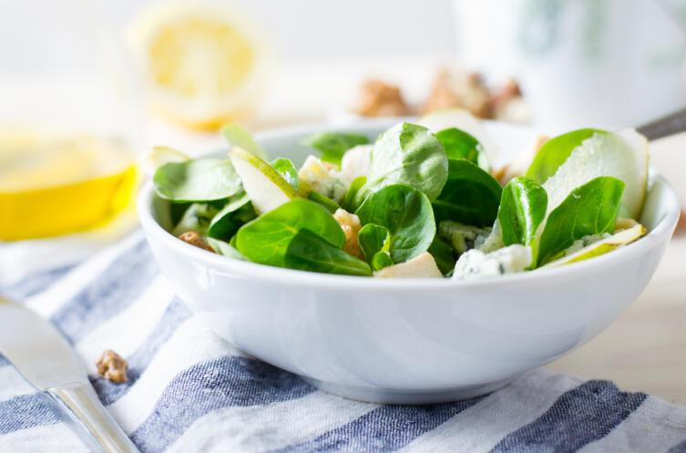 Чем полезен шпинат и что можно из него приготовить?