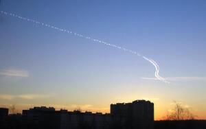 Как появляются загадочные линии в небе?