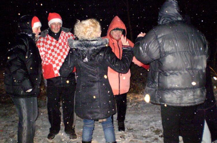 Танцы на лесной танцплощадке. … а снег идёт, а снег идёт…
