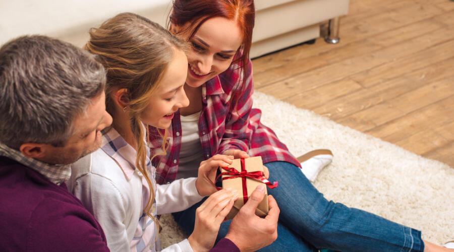 Какова роль подарка в укреплении семейных уз?