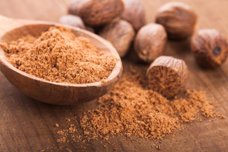 Чем вреден и полезен мускатный орех?
