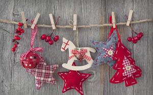 Почему ватные игрушки вновь популярны в качестве елочных украшений?