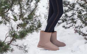 Как обуваться в сезон снегокаш: выбираем теплые непромокаемые сапоги