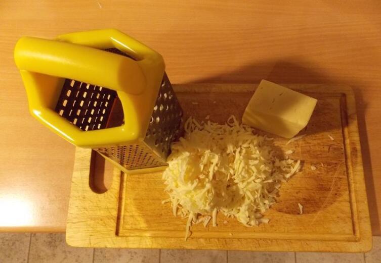 Можно сыр на крупной терке потереть