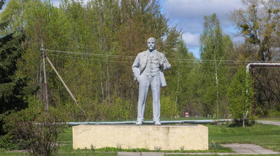 Памятник В. И. Ленину в Чернобыле