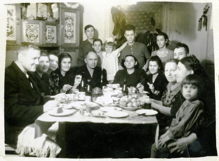 Большая семья, СССР, 1940-е гг.