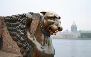 Где в Санкт-Петербурге можно найти мифических существ?