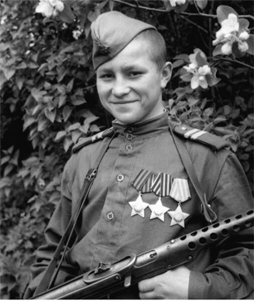 Кузнецов Иван Филиппович, самый молодой полный кавалер ордена Славы.