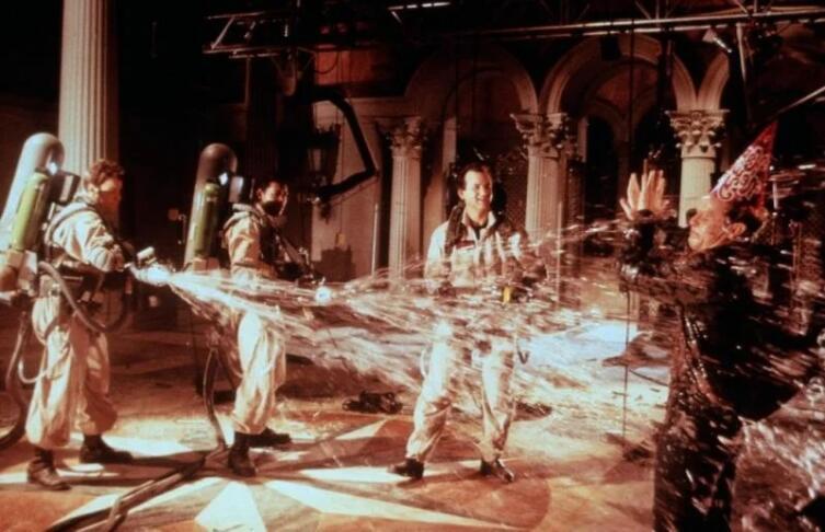 Кадр из к/ф «Охотники за привидениями 2», 1989 г.
