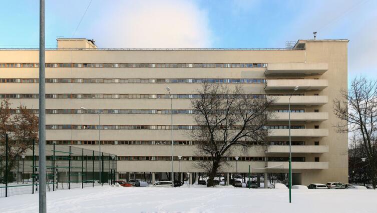 Дом-коммуна на улице Орджоникидзе (общежитие Текстильного института)