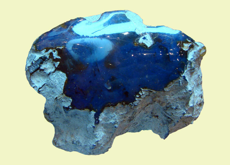 Голубой доминиканский янтарь