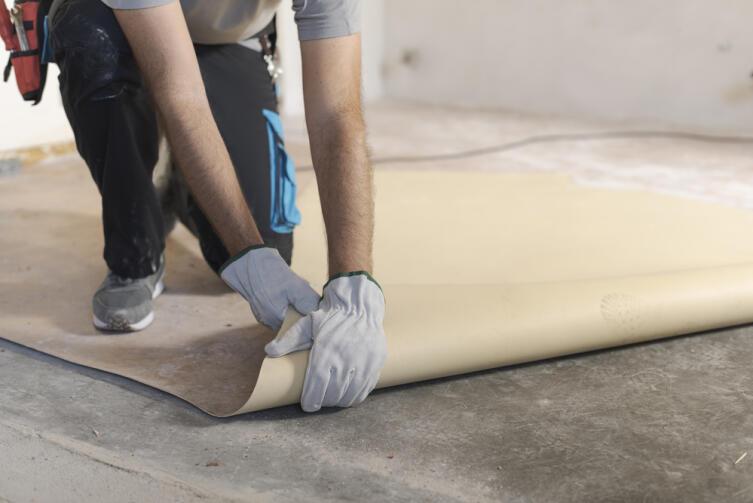 Как выбрать недорогое напольное покрытие для дачи?