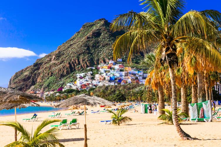 Пляж Тенерифе - Лас Тереситас возле Санта-Крус, Канары, Испания