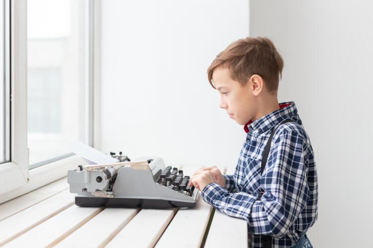 Поэтом можешь ты не быть... Как научиться писать стихи?