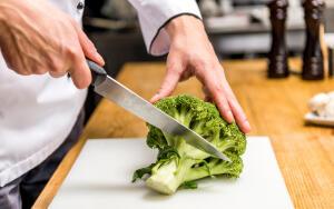 Брокколи – это дикая капуста, праматерь культивируемых видов современных капустных культур...