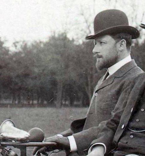 Леон Серполле в 1900 г.