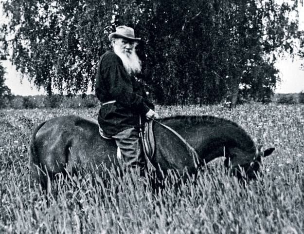 Лев Николаевич Толстой верхом