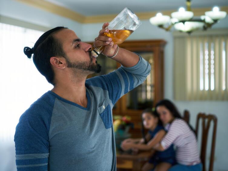 Как избавиться от комплекса «жены алкоголика»?