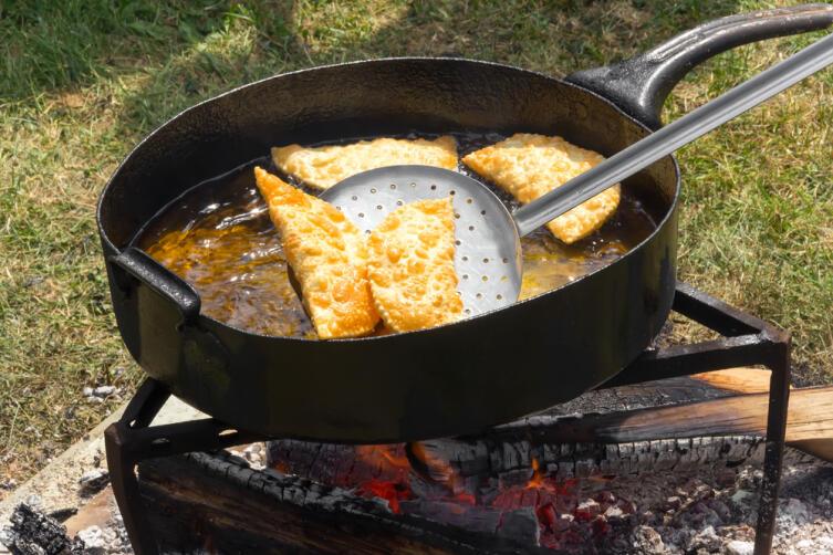Как приготовить отличные чебуреки?