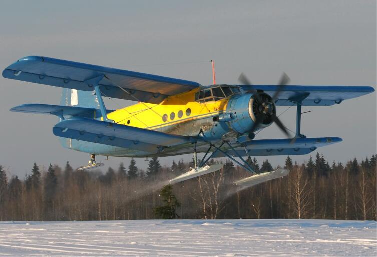 Ан-2Р на лыжном шасси